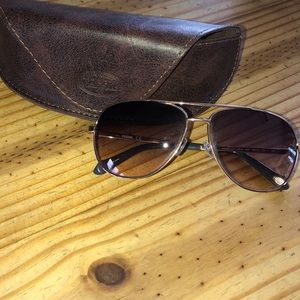 Fossil aviators with case